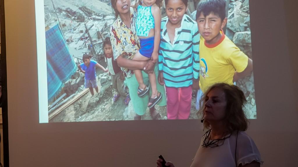 Sasha Tsenkova despre așezările informale ca
